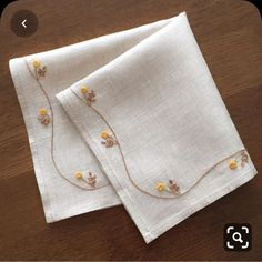 Handkerchief Embroidery, Hand Work Embroidery, Flower Embroidery Designs, Learn Embroidery, Japanese Embroidery, Hand Embroidery Stitches, Embroidery Fashion, Vintage Embroidery, Embroidery Techniques
