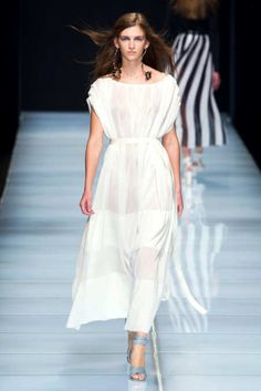 View the Anteprima Spring 2016 RTW collection. See photos and video of the S2016RTW runway show. Anteprima