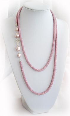 Pink Rope Necklace and Pearls Rope Jewelry, Rope Necklace, Bead Jewellery, Seed Bead Jewelry, Jewelry Crafts, Beaded Jewelry, Jewelry Necklaces, Handmade Jewelry, Beaded Necklace
