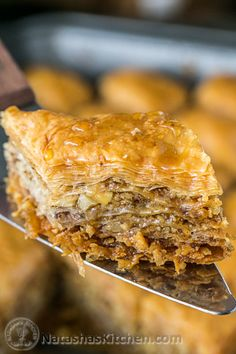 DIY: Step by step: This baklava is flaky, crisp, tender and I love that it's not overly sweet. No store-bought baklava can touch this! Greek Desserts, Greek Recipes, Just Desserts, Delicious Desserts, Dessert Recipes, Yummy Food, Healthy Food, Phyllo Dough, Melting Chocolate Chips