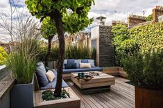 Incredible Rooftop Gardening Design And Ideas Related posts:Rooftop Garden Ideas-- Whether you have a rooftop garden currently or you are pr.Find Out 15 Contemporary Rooftop Garden Design IdeasTerrace Rooftop Design, Rooftop Terrace, Terrace Garden, Rooftop Gardens, Garden Bed, House Balcony Design, Terrasse Design, Wooden Garden, Small Gardens