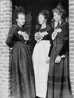Frisian Women from the Island of Föhr.