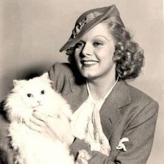 """Harlow with her Persian cat named """"His Royal Highness"""".Jean Harlow with her Persian cat named """"His Royal Highness"""". Jean Harlow, I Love Cats, Cool Cats, Sophia Loren, Celebrities With Cats, Celebs, Maurice Careme, Emmanuelle Béart, Jean Dujardin"""