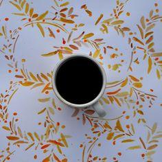 Bouquet d'automne pour le challenge #flowpetitsplaisirs bonne journée à vous ! #coffeeplease #cafe #coffeetime #bouquetdautomne #coffeeandseasons #coffeaddict #bonjour #couleursdautomne #instabonjour #lovecoffee #petitcafe #expresso #igerscoffee #coffee_inst #coffeeaddiction #coffeelover #scrapbuttons #instacoffee