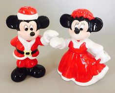 Disney Mickey Minnie Santa Claus Holding Hands Christmas Salt Pepper Shakers