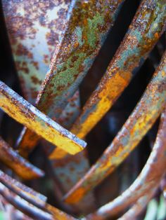 Nice colours with the rust. S - Breathtaking & Mesmerizing...