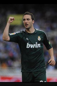 Gonazlo Higuain Real Madrid, Football Soccer, Iphone, Mens Tops, T Shirt, Ios 8, Ipad Pro, Apps, Fashion