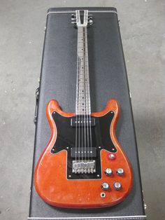 Electrical Guitar Company - Epiphone Coronet/Wilshire-thing.