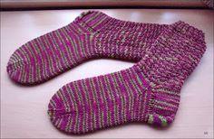 Charade http://www.ravelry.com/patterns/library/charade 60 Gesamtmaschen Nadelspiel 2,5 Wolle handgefärbt Größe 38/39 Bün...