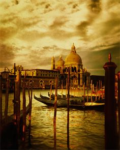 Venice... beautiful.... i will miss Europe so much... hope to come back to it...