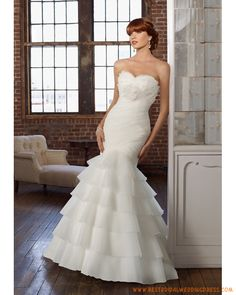 Organza Strapless Sweetheart Neckline with Rouched Bodice and Ruffles Layers Skirt White Mermaid Wedding Dresses