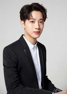 Love 020, Rapper, Guan Lin, Lai Guanlin, Kim Jaehwan, Chinese Boy, Profile Photo, Asian Boys, Handsome Boys