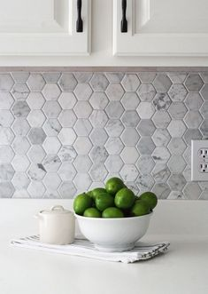 31 Perfect Kitchen Backsplash Decorating Ideas And Remodel. If you are looking for Kitchen Backsplash Decorating Ideas And Remodel, You come to the right place. Here are the Kitchen Backsplash Decora. Countertop Concrete, Kitchen Countertops, Gray Kitchen Backsplash, Backsplash Ideas, Kitchen Splashback Ideas, Herringbone Backsplash, White Kitchen Cabinets, Diy Cabinets, Gray Kitchen Walls