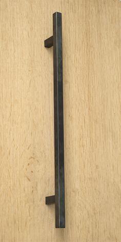 V-Collection - model: V8.600.450T.033 / T door pull 20 x 20 x 600 mm