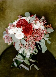 Wedding bouquet idea; Featured photographer: Rebecca Yale Photography