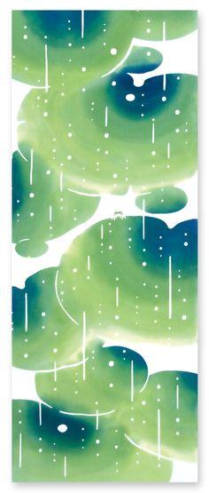[材 質] 綿100% 〔特岡〕[サイズ] 約 36×90 cm     草木にやさしく降りそそぐ春の雨。  潤いを与える甘雨はいのちも育てる慈雨。  蛙もひょっこり雨を眺めてる。