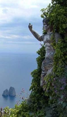 Amazing Sculpture, Isola, Capri, Italy