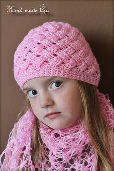 Crochet with love - Hand made Ája: ZIG ZAG čepička Crochet Beanie Hat, Beanie Hats, Knitted Hats, Knit Crochet, Crochet Hats, Ear Warmers, Zig Zag, Baby Hats, Crochet Projects