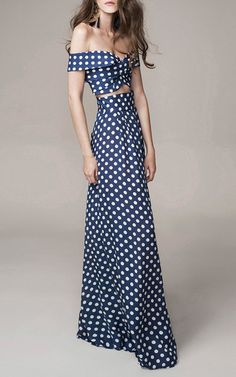 Super flattering maxi skirt with wide waist band and what looks like no gathers at the waist. Amazing how difficult it is to find in the stores - a flattering maxi. That's why we DIY, baby. Sew with Threadhead TV. ~Johanna Ortiz Look 17 on Moda Operandi