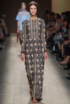 Valentino Spring 2014 Ready-to-Wear Fashion Show - Kayley Chabot
