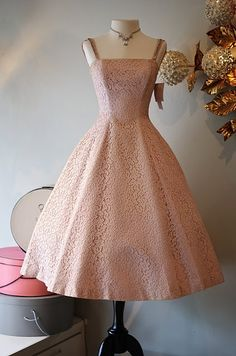 Pretty in pink Jane Andre lace party dress. Pretty in pink Jane Andre lace party dress. Vintage 1950s Dresses, Vestidos Vintage, Retro Dress, Vintage Outfits, Pretty Outfits, Pretty Dresses, Beautiful Dresses, 1950s Fashion, Vintage Fashion