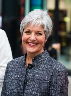 A winning smile and lovely #gray suit look so well on another silver-haired beauty #grayhair http://www.healyourfacewithfood.com/