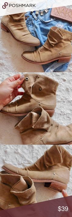 """Fergie Monet Ankle Booties In excellent used condition. Please refer to the photos for condition {I give the condition a 9/10}. Marked as a size 5.5, the heel is 1.25"""" tall. Super cute Booties, they have a snap on the sides to make them """"fold-over"""". Smoke/pet free home. Ask all questions before buying NO trades!❌ Bundle for a discount!  •necklace/shorts/naked palette NFS• Fergie Shoes Ankle Boots & Booties"""