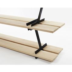 The LUMBERJACK shelf is resolutely modern and relevant to today's consumer's needs. Adaptable and easy to install, its structure is made up ofsteel modules, which hold perfectly each set of planks.