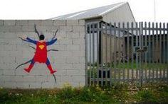 Immagini STREET ART con commento: SUPER EROI... poco super! #streetart #super #humor #eroi