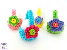 Ravelry: Pattern Search Cute Crochet, Crochet Crafts, Yarn Crafts, Crochet Toys, Crochet Projects, Knit Crochet, Diy Projects, Crochet Daisy, Easy Crochet