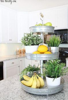 I am so excited to share with you 11 clever ways to de-clutter your kitchen counter, because I believe that being better organized helps us navigate our way to a stress-free life. Today, I am sharing 11 of my favorite products for kitchen organization. Cuisines Diy, Cuisines Design, Diy Kitchen Storage, Kitchen Organization, Organization Ideas, Storage Ideas, Shelving Ideas, Storage Hacks, Open Shelving