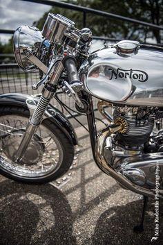 The Old Fashioned, Brilliant British Biker Norton Bike, Norton Cafe Racer, Norton Motorcycle, Motorcycle Posters, Cafe Racer Motorcycle, Motorcycle Design, Motorcycle Style, British Motorcycles, Vintage Motorcycles