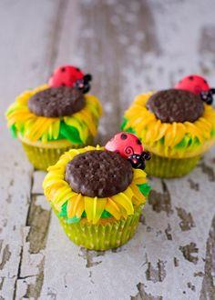 Super Cute Sunflower Cupcakes