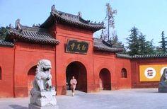 Der Tempel des weissen Pferdes ist der erste buddhistische Tempel Chinas und zeichnet sich vor allem durch seine andächtige Atmosphäre aus.