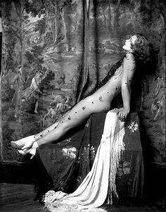 Ziegfeld Girl. Photo by Alfred Cheney Johnston.