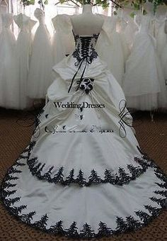 Vintage Black White Gothic Ball gown Wedding Dress Bridal gowns Formal dresses