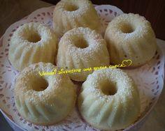Buondì! Per il fine settimana voglio condividere con voi questa deliziosissima ricetta: le ciambelline al limone! Come dicevo sono una vera delizia perché
