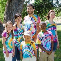 Twisted Tie-Dye Tee Sharpie Tie Dye, Fleece Crafts, Tie Dye Kit, Tie Dye Techniques, How To Tie Dye, Twist And Shout, Tie Dye T Shirts, Dye Shirt, Tie Dye Outfits