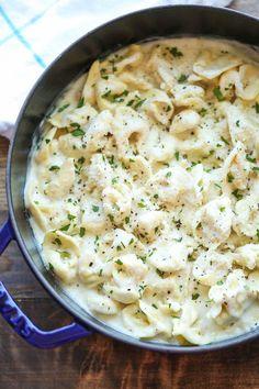 Easy Garlic Alfredo Tortellini