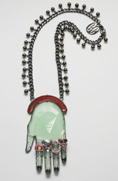 Green Magoo´s hand necklace