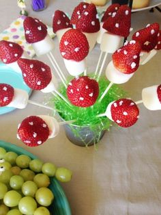 Woodland Fairy Party Supplies: Everyone loves fairies. I have some great ideas . Ich habe einige großartige Ide… Woodland Fairy Party Supplies: Everyone loves fairies. Wild One Birthday Party, Fairy Birthday Party, First Birthday Parties, Birthday Party Decorations, Theme Parties, 5th Birthday, Birthday Ideas, Children Birthday Party Ideas, Cool Party Themes