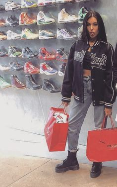 Madison Beer Style, Madison Beer Outfits, Fashion Poses, Girl Fashion, Fashion Outfits, Stylish Outfits, Cute Outfits, Maddison Beer, Quirky Fashion