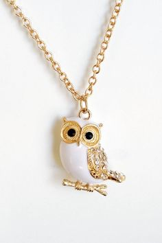 Cool gold owl necklace.#Snow #Owl #Necklace ❥http://www.loveitsomuch.com/