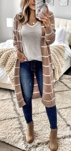 casual outfits for women / casual outfits . casual outfits for winter . casual outfits for work . casual outfits for women . casual outfits for school . casual outfits for winter comfy Simple Casual Outfits, Casual Winter Outfits, Casual Fall Outfits, Stylish Outfits, Spring Outfits, Casual Weekend Outfit, Work Casual, Casual Wear Women, Casual Attire