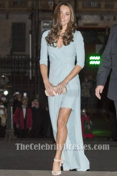 Attending the Wildlife Photographer of the Year Awards in October, the Duchess of Cambridge looked heavenly in a powder-blue Jenny Packham wrap gown that Kate Middleton Stil, Kate Middleton Photos, Sexy Dresses, Blue Dresses, Prom Dresses, The Duchess, Duchess Of Cambridge, Jenny Packham, Princesa Charlotte
