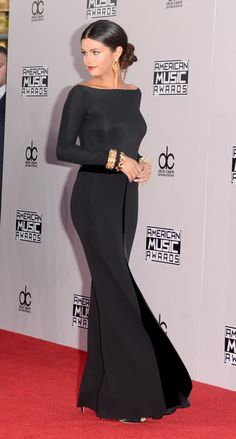 selena gomez wearing armani privé at the AMAs