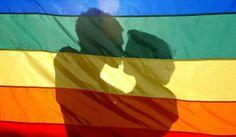 Pareja gay es atacada por besarse en restaurante de Miami Beach...