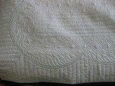 Joan at Leschenault: Labyrinth Quilt - FMQ Longarm Quilting, Machine Quilting, Labrynth Quilt Pattern, Whole Cloth Quilts, Quilting Designs, Textile Art, Quilt Blocks, Quilt Patterns, Bed Pillows