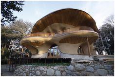 O. Hozman - ARC: dům El Palol,Šp (v rámci celostního centra pro rozvoj fyzických, duševních a duchovních vlastností) dům z místních přírodních materiálů Ark, Spectrum, Clouds, Travel, Viajes, Destinations, Traveling, Trips, Cloud