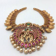 Mango Necklace with Lord Krishna Pendant - Indian Jewellery Designs Indian Jewellery Design, Latest Jewellery, Jewelry Design, Designer Jewellery, India Jewelry, Temple Jewellery, Jewelry Findings, Pendant Jewelry, Gold Jewelry